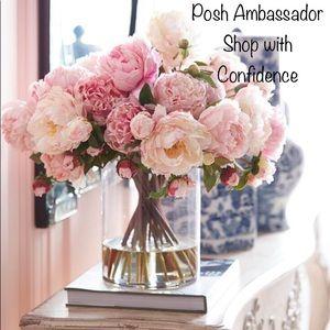 Other - Shop with confidence I am a Posh Ambassador!🌺